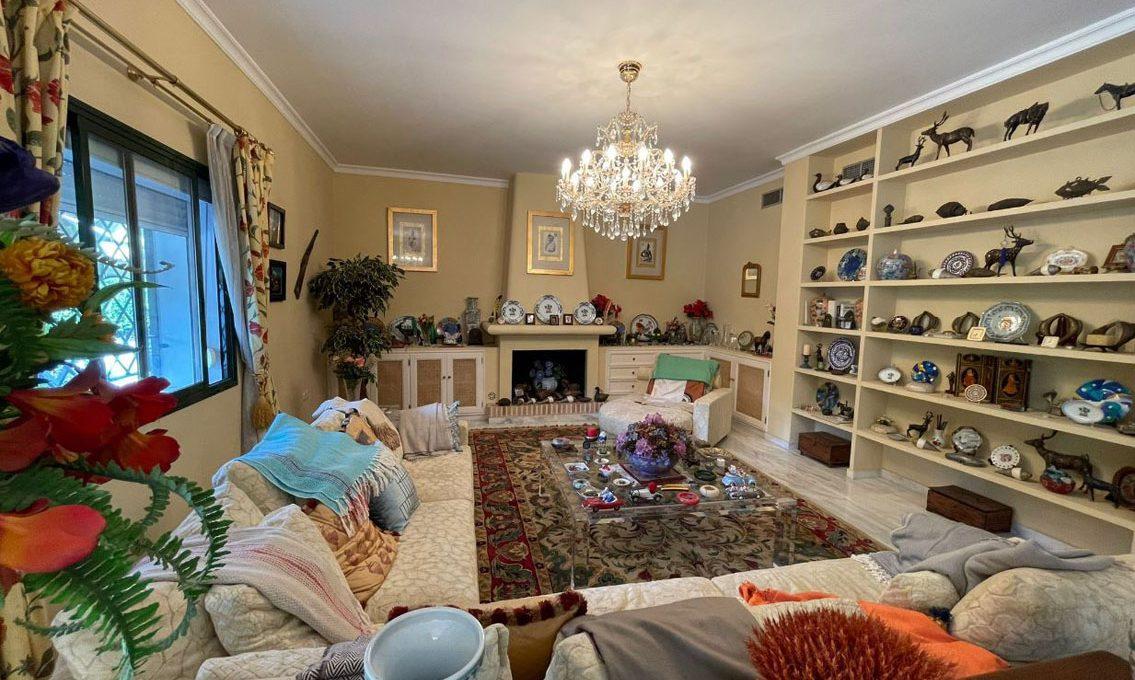 V221 Inmobiliaria Bobis Villa Nagueles Marbella salon 4
